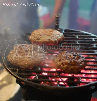 Mezza Norte_Charcoal grilled burgers photo DSC_0196_zps041cb57f.jpg