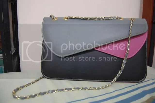 double flap bag in black/grey