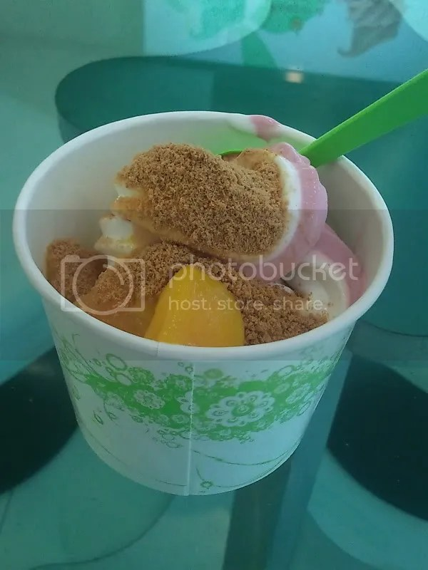 Qoola_original and wild berry with mangoes and crushed graham