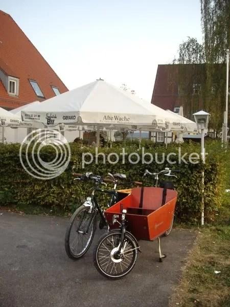 Bikes onna date.