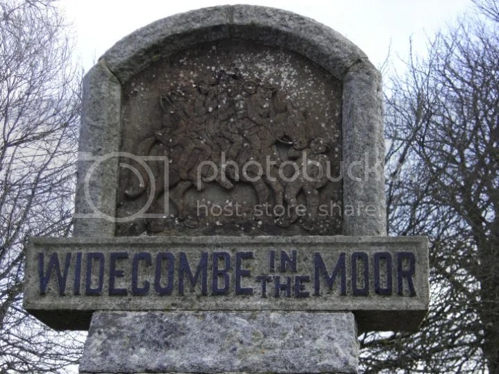 Widecombe-In-The-Moor sign depicting Uncle Tom Cobley and All