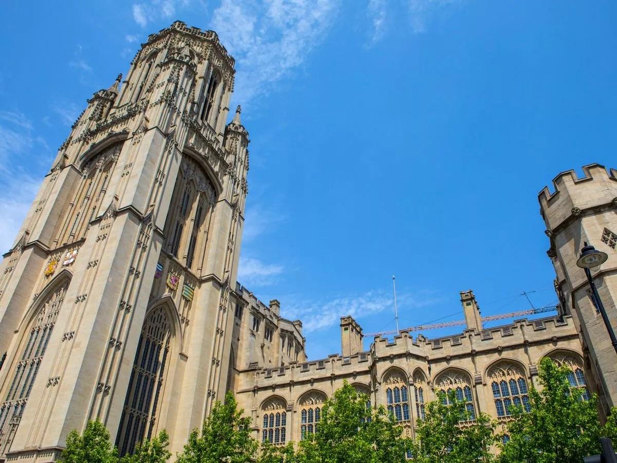 Kuliah di University of Bristol, Inggris