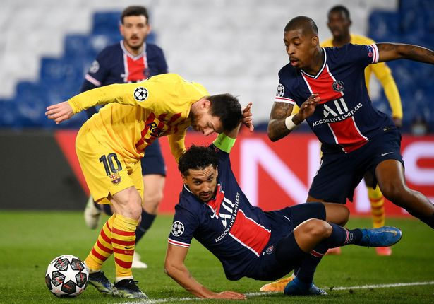 Paris Saint-Germain's Brazilian defender Marquinhos (C) fights for the ball with Barlenoa's Argentinian forward Lionel Messi during the UEFA Champions League round of 16 second leg football match between Paris Saint-Germain (PSG) and FC Barcelona at the Parc des Princes stadium in Paris, on March 10, 2021
