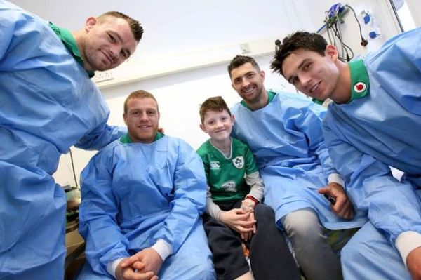 Children in Crumlin Hospital delighted by surprise visit ...