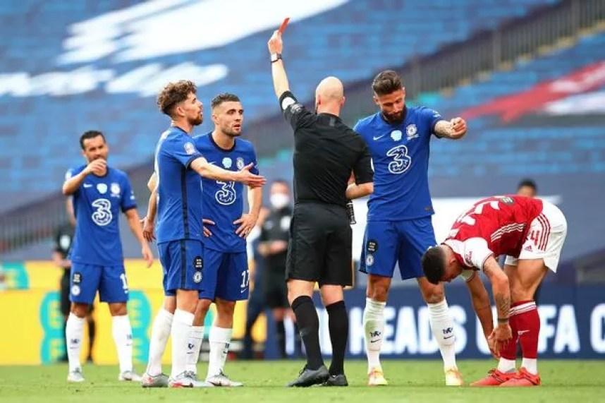 Former Chelsea boss Glenn Hoddle blasts Anthony Taylor for Mateo ...
