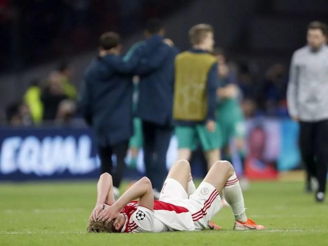 De jong sad after Ajax defeat vs Tottenham