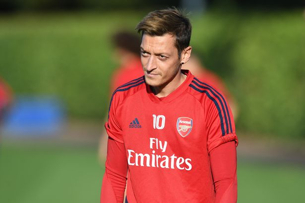Unai Emery pinpoints exactly what Mesut Ozil is doing to win back his  starting role at Arsenal - football.london