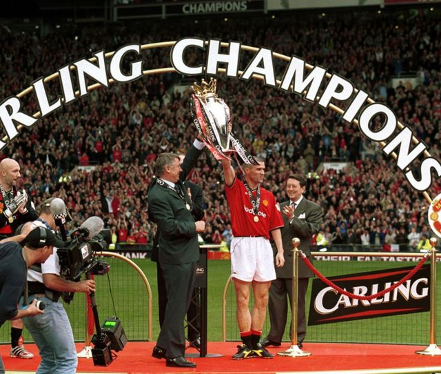 Manchester United Manager Sir Alex Ferguson And Roy Keane With The Fa