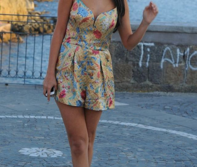 Selena Gomez And Her Legs Come Out To Play On The Mediterranean Coast