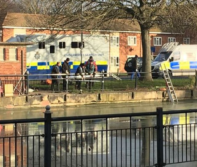 Underwater Divers Trawl River At Stamp End In Lincoln