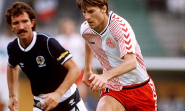 Michael Laudrup and Graeme Souness in action at the 1986 World Cup
