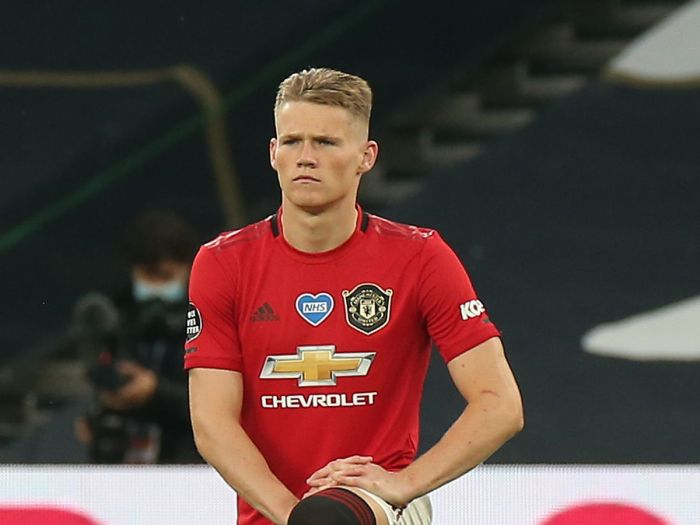 Scott McTominay signs new Manchester United contract - Manchester ...