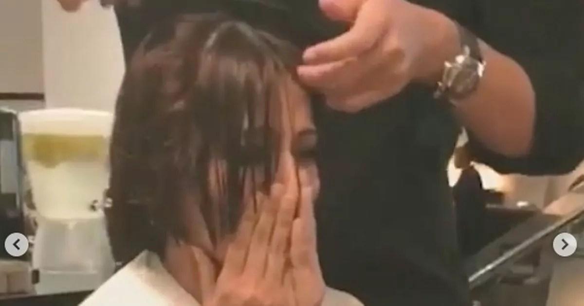 Sonali Bendre Weeps As Her Long Hair Gets Cut Off Ahead Of
