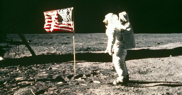 Apollo 11 conspiracy questions why flag WAVED on moon ...