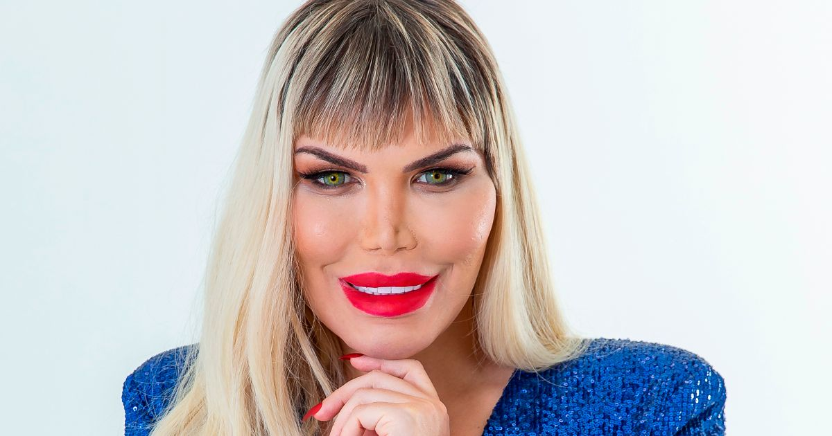 First images of Rodrigo Alves as a woman while revealing the trans identity