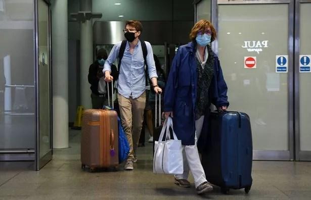 Those breaking quarantine face a fine of £ 1,000