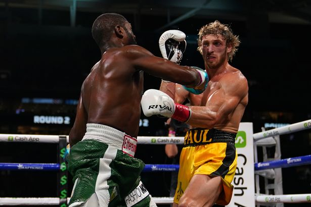 Floyd Mayweather fails to KO YouTube star Logan Paul in exhibition fight -  Mirror Online