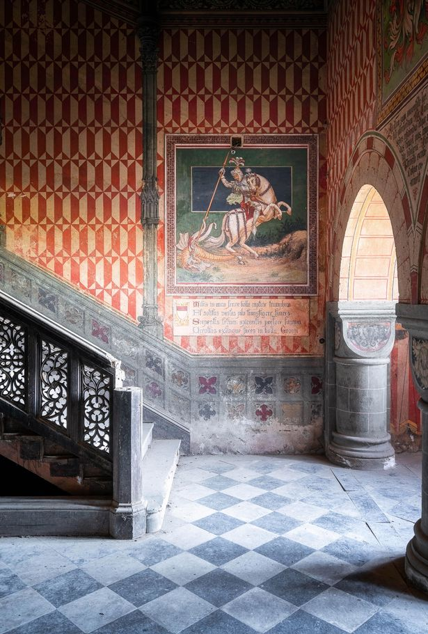 The hallway of the palace