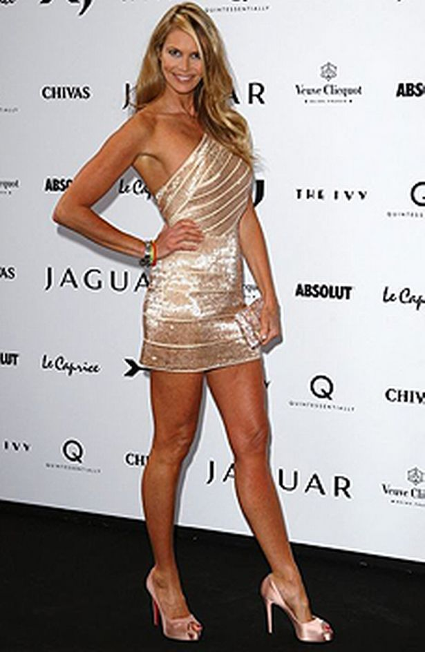 Elle McPherson Might Be The Body But Is This A Sign Age