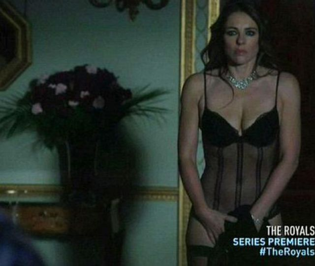Liz Hurley Loved Stripping To Her Underwear For New Us Series The Royals Mirror Online