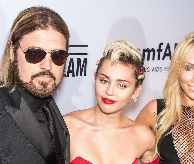 Miley Cyrus Dad Billy Ray Reveals He Wants A Huge Role In Her Wedding To Liam Hemsworth Irish Mirror Online