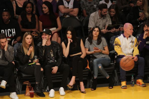 Kendall Jenner watches The Dallas Mavericks defeat the Los ...