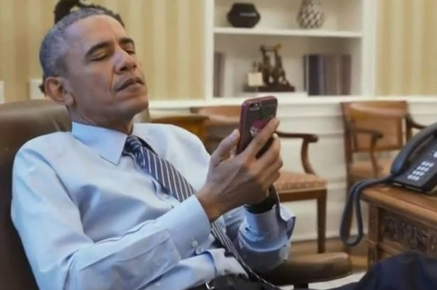 Barack Obama S Presidential Iphone Can T Make Calls It Only Receives Emails And Browses The Internet World News Mirror Online