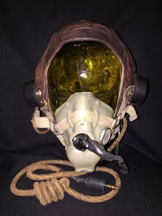Ww2 Fighter Pilot S Helmet Snapped Up For 163 50 In Flea
