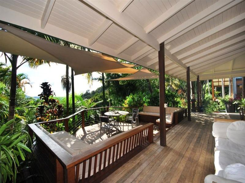 Multi-level outdoor living design with balcony & shade ... on Fancy Outdoor Living id=44927