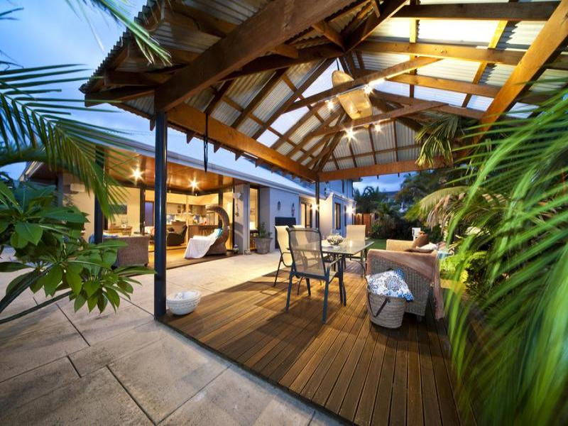 Outdoor living design with bbq area from a real Australian ... on Outdoor Living Designer id=50860