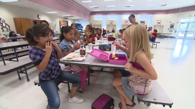 Healthy school lunches face tough taste test