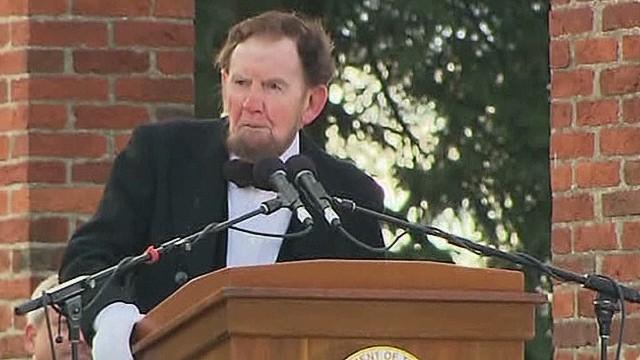 'lincoln' delivers gettysburg address