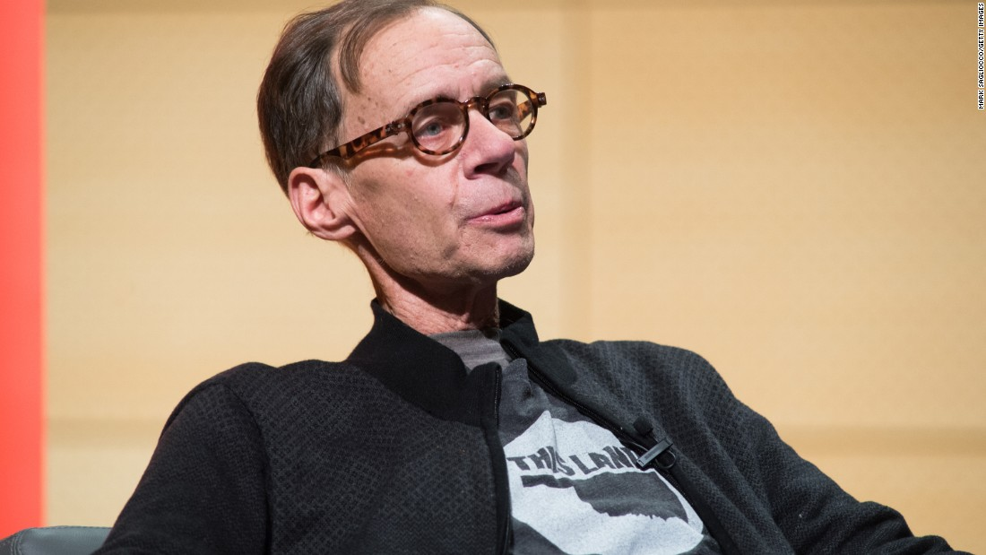 NEW YORK, NY - FEBRUARY 12:  New York Times Columnist David Carr attends the TimesTalks at The New School on February 12, 2015 in New York City.  (Photo by Mark Sagliocco/Getty Images)