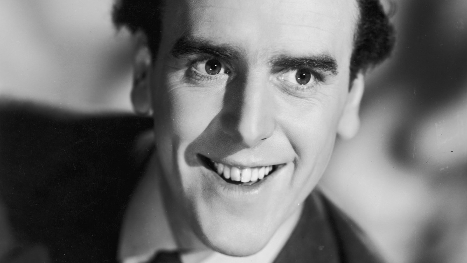 circa 1935:  British actor George Cole.  (Photo by Hulton Archive/Getty Images)