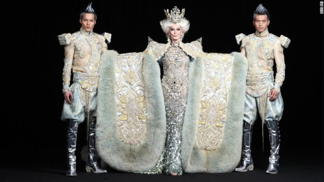 Guo Pei's Spring-Summer 2010 collection showcased 16 works, and featured model Carmen Dell'Orefice, who was 78 at the time.
