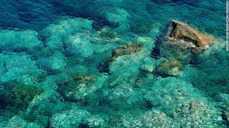 L'isola & # 39; s acque incontaminate competere con quelli delle Seychelles.