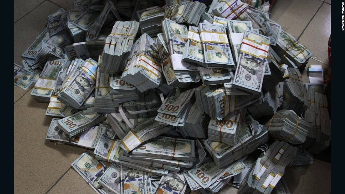 Nigerian Anti Corruption Unit Finds 43 Million In Cash In Lagos Apartment CNN