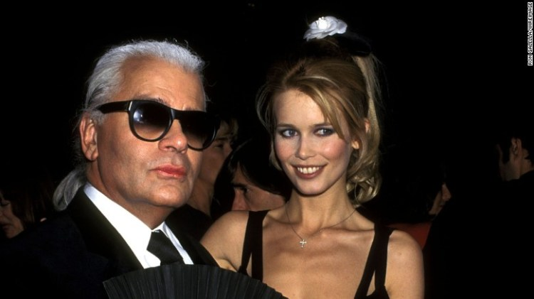 Karl Lagerfeld e Claudia Schiffer al 1995 Costume Institute gala per & quot;. Haute Couture & quot;