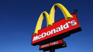 Woman calls 911 over McNuggets, was not lovin' it