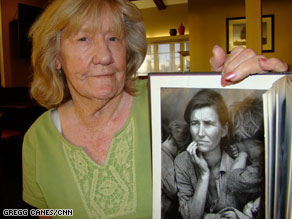 Katherine McIntosh holds the photograph taken with her mother in 1936.