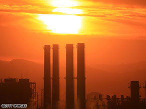 The Department of Water and Power (DWP) San Fernando Valley Generating Station as seen December 11, 2008. Under a new climate plan, California would take major steps toward cutting greenhouse gas emissions.