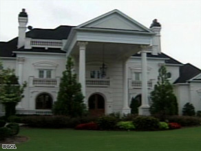 No one submitted the minimum $3.2 million bid for former Falcon Michael Vick's Atlanta-area mansion.