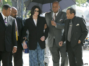 Michael Jackson shows up for court, late and wearing pajama bottoms, during his 2005 child molestation trial.