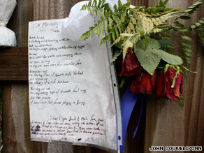 Friends left notes of mourning at the entrance of the Billings' home Thursday in Beulah, Florida.