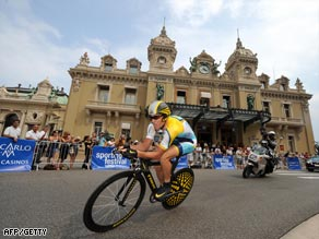 Armstrong powers past the famous casino at Monte Carlo on the first stage.