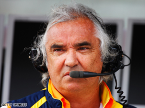 Renault F1 boss Flavio Briatore has stepped down amid the scandal about race fixing in Singapore last year.