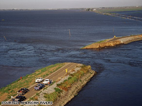 A levee breach in the Sacramento-San Joaquin River System could have dire effects, a new report says.