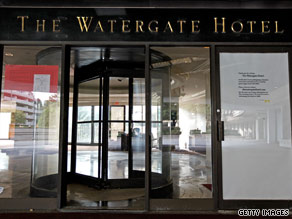 The Watergate Hotel will most likely have to be sold privately after not attracting bids at auction.