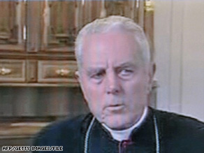 Bishop Richard Williamson has not retracted remarks he gave to Swedish TV denying the Holocaust's existence.