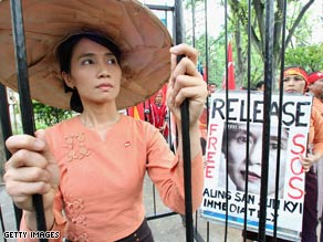 People of Myanmar living in Japan protest for the release of Aung San Suu Kyi on May 24, 2009 in Tokyo, Japan.